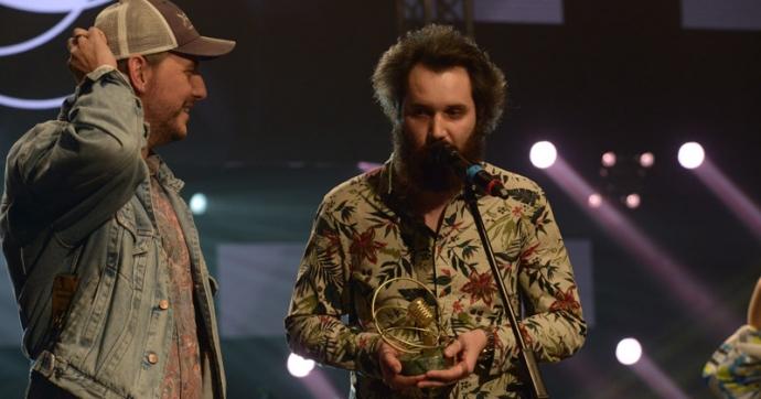 Az év hazai alternatív vagy indie-rock kategória nyertese a The Qualitons!